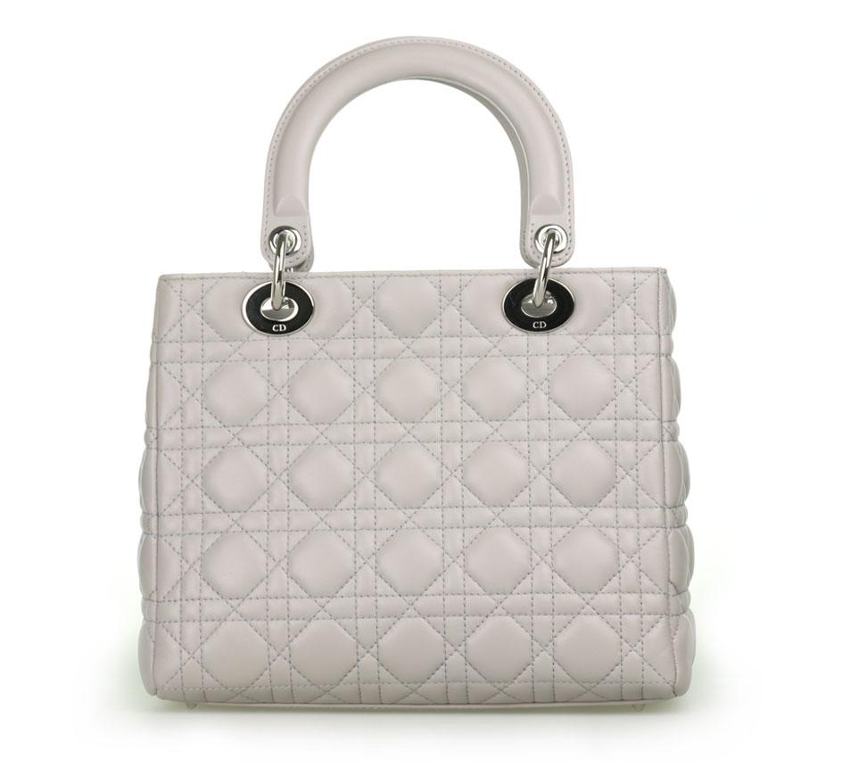 kipling結合時尚和功能性的設計,推出不同系列的輕量及實用側背包、手提包、後背包、配件、旅行袋、行李箱等。立即查看.