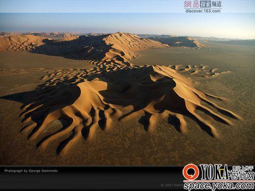 阿拉伯半岛上的鲁布哈利国家的这片沙漠又