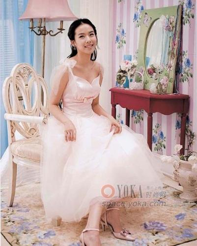 韩国婚纱_韩国美女