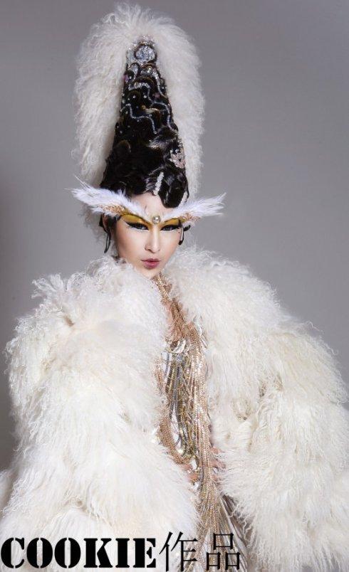 创意新娘妆整体造型_时尚创意妆整体造型_夸张创意图片